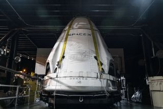 SpaceX's Crew Dragon returns to shore after successful abort test (photos)