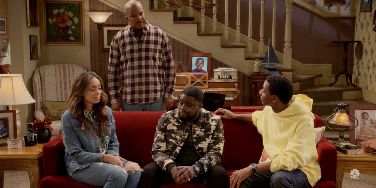David Alan Grier, Amber Stevens-West, Lil Rel Howery, and Jerrod Carmichael in The Carmichael Show