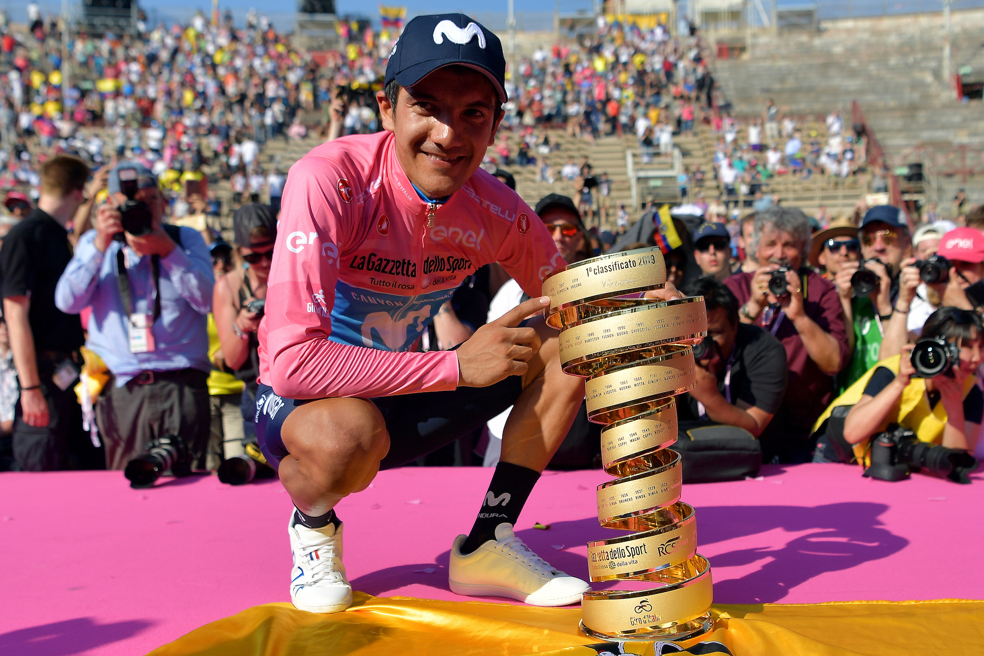 Richard Carapaz may have to ride and drive 900km to catch flight to Europe to defend Giro d'Italia title - Cycling Weekly