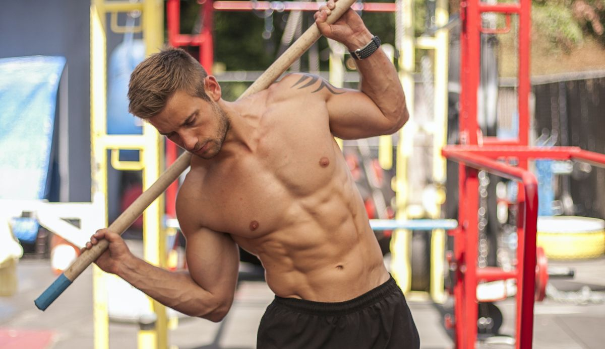 Get the ultimate, cover shot-worthy six-pack with this workout from a YouTube star fitness model