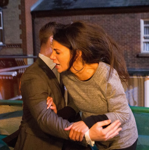 Rob Donovan pushes Tina McIntyre to her death in Corrie