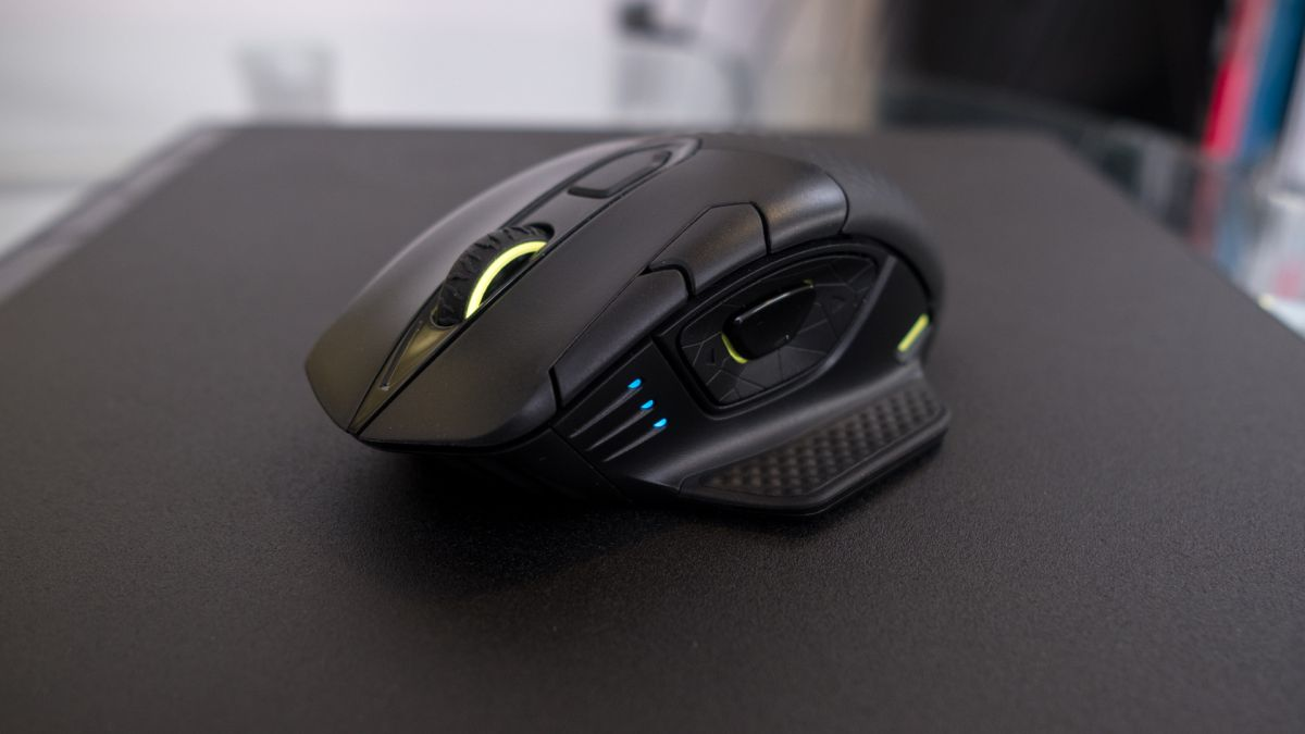 Corsair Dark Core RGB SE Review | bit