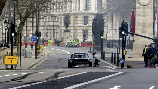Top Gear pictured filming in Whitehall (MrG/LNP/REX/Shutterstock)