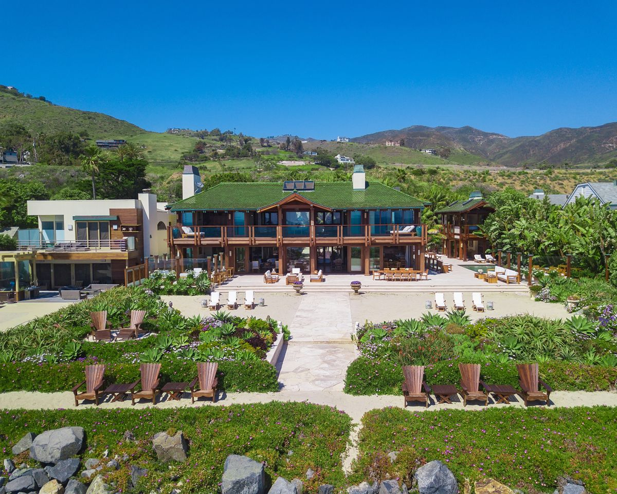 Take a look inside Pierce Brosnan's Malibu home – on sale for $100 million