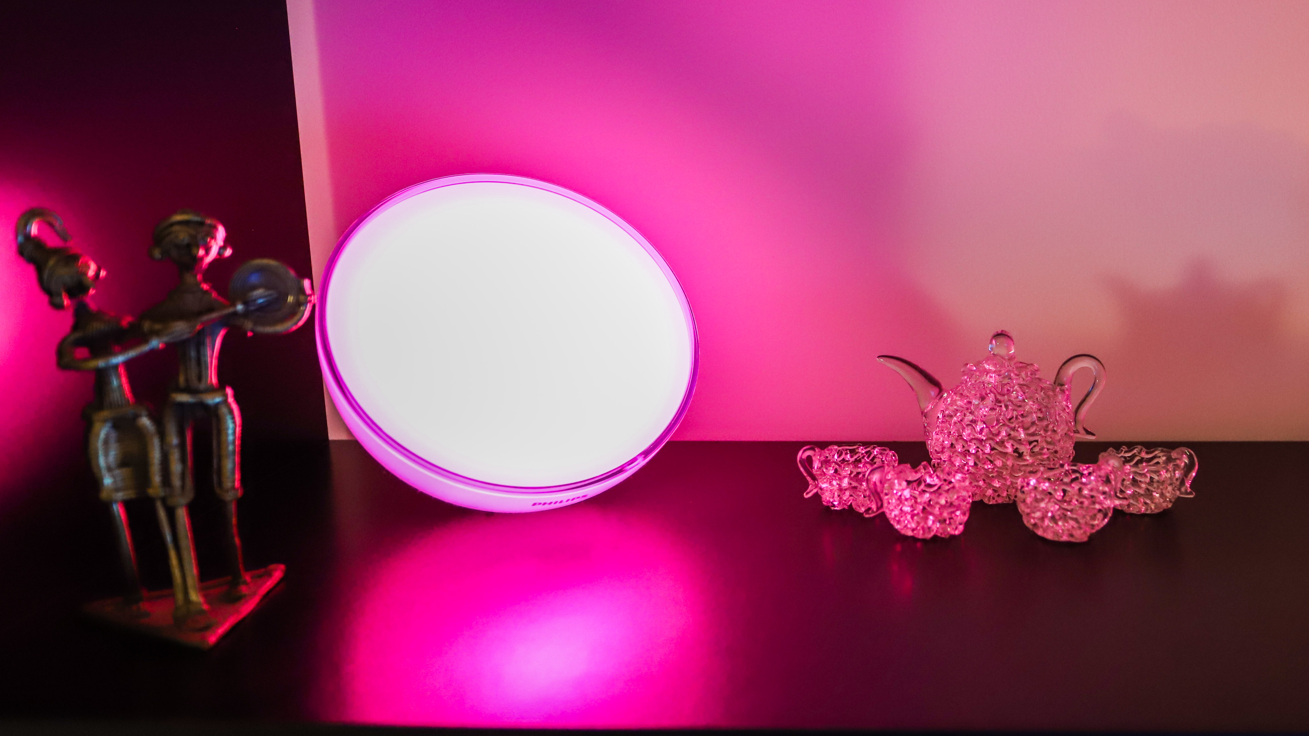 Philips Hue Go 2 with pink light