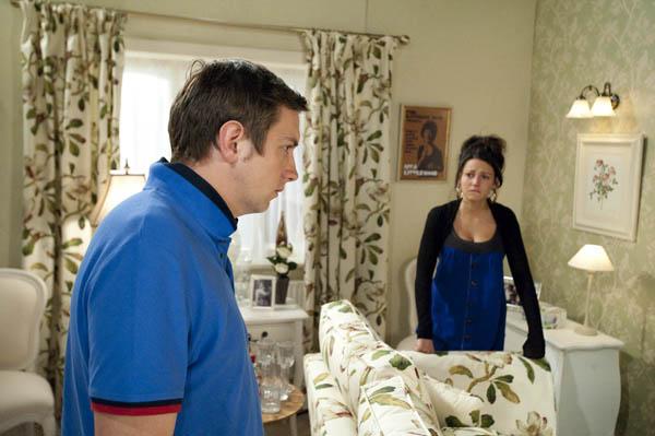 Will Graeme tell Tina the truth?