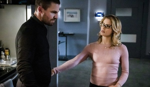 Arrow Just Delivered A Huge Felicity Bombshell That Changes