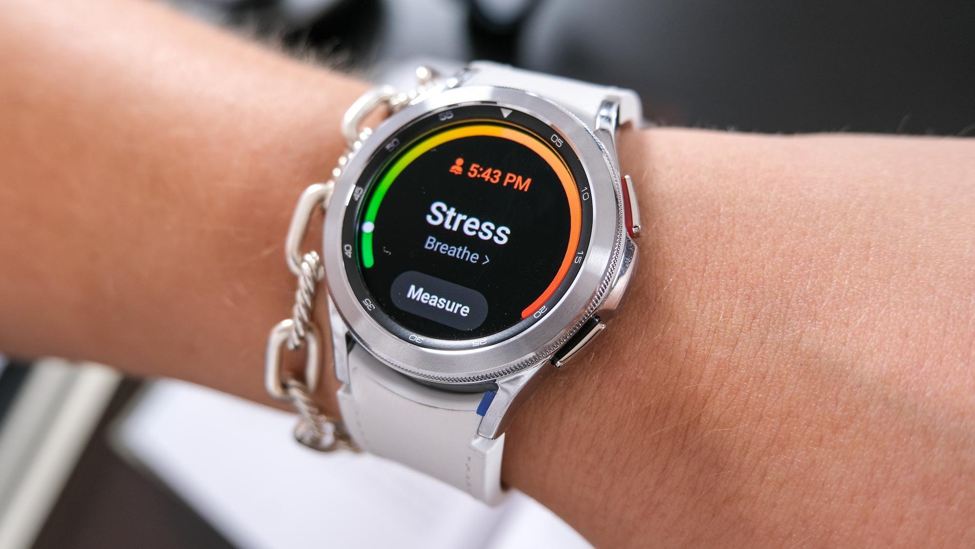 Samsung Galaxy Watch 4 vs. Samsung Galaxy Watch 4 Classic
