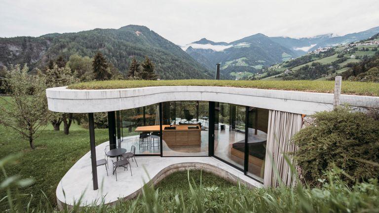 Exteriors of Freiform in the Italian Alps