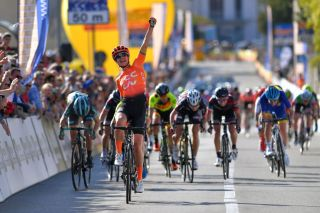 Marianne Vos celebrates her win at Trofeo Alfredo Binda
