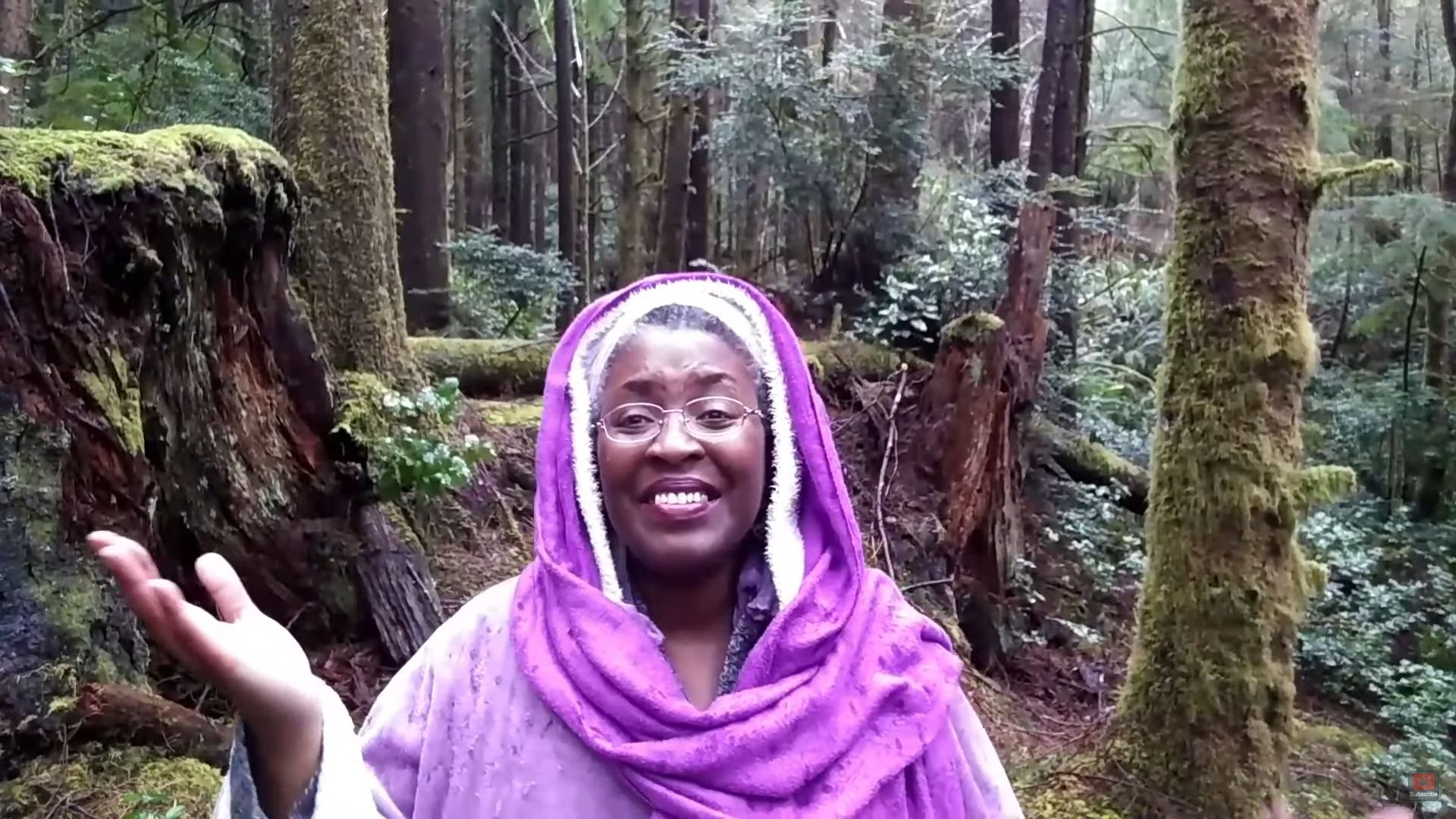 Dame Jessa in the woods
