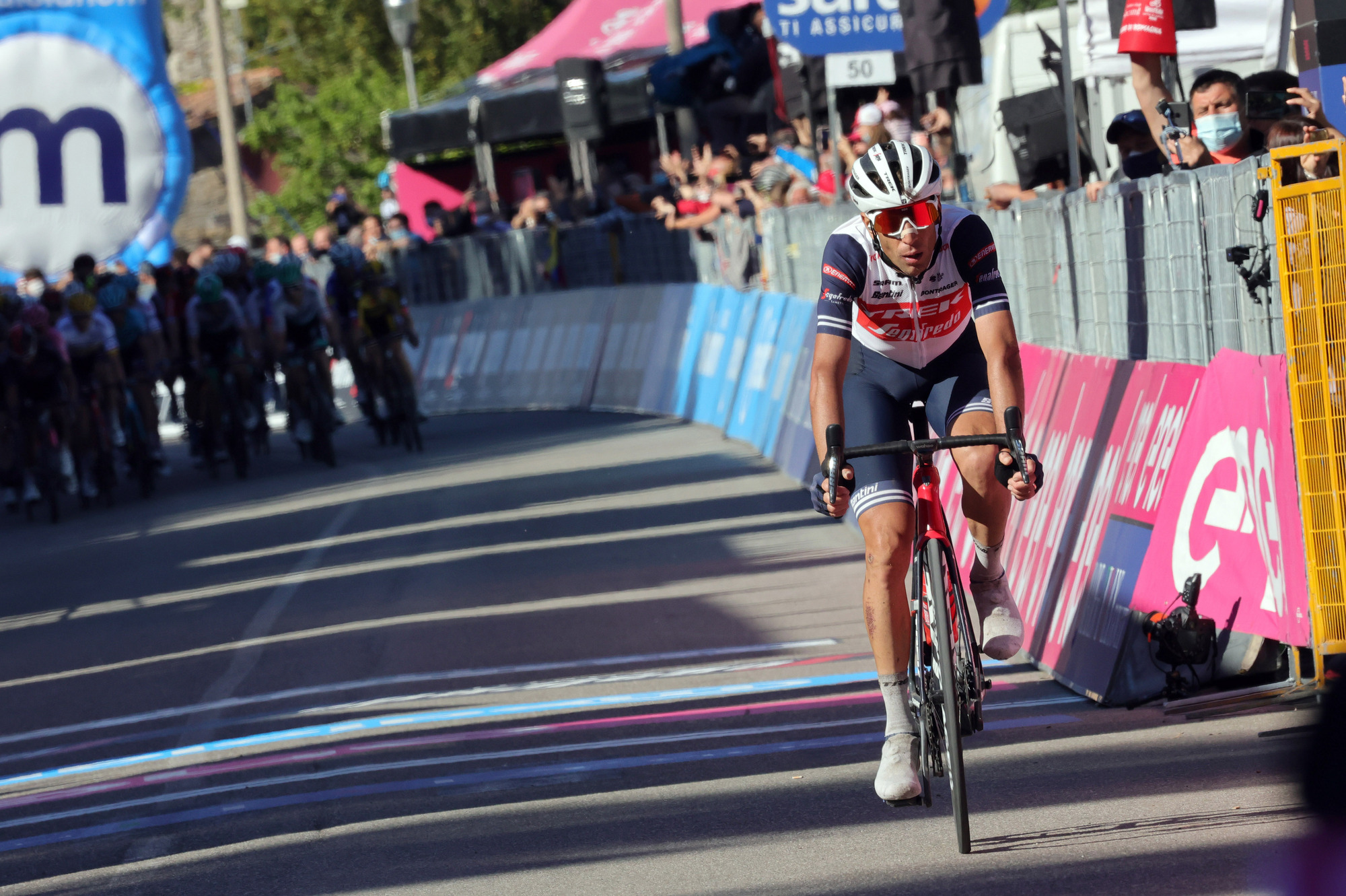 Giro d'Italia 2021 - 104th Edition - 12th stage Siena - Bagno di Romagna 212 km - 20/05/2021 - Vincenzo Nibali (ITA - Trek - Segafredo) - photo Ilario Biondi/BettiniPhoto©2021
