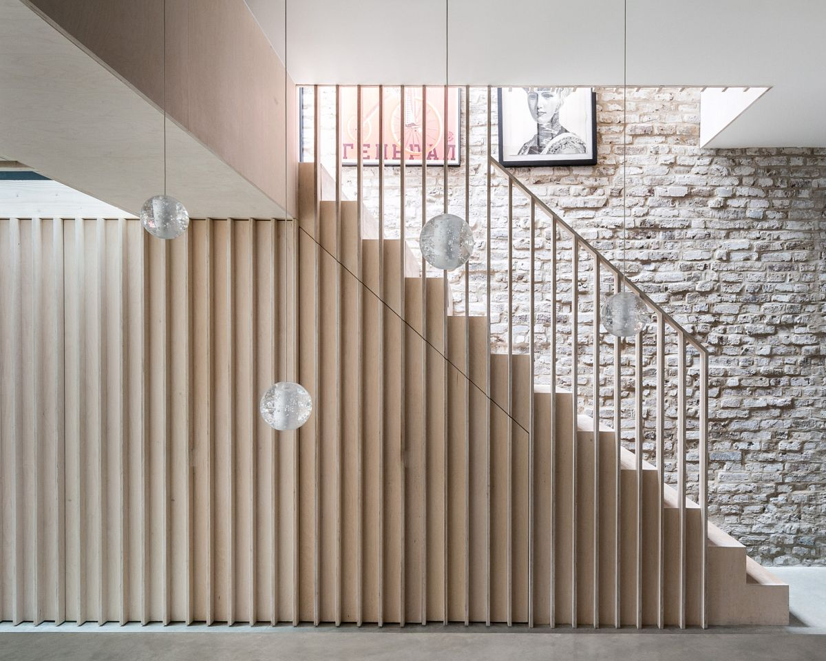 Stair railing ideas – 21 balustrade designs to hold onto