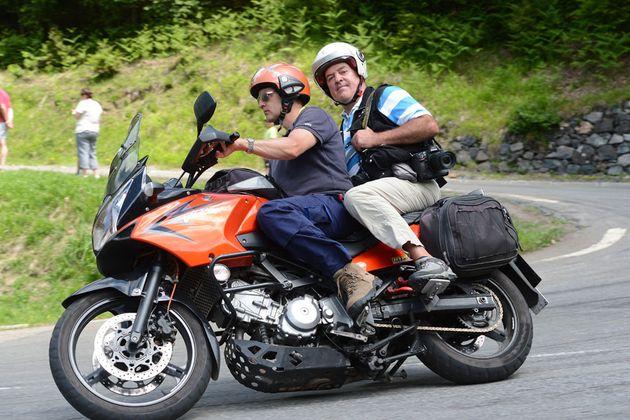 Luke Evans and Graham Watson, Tour de France 2013, stage nine