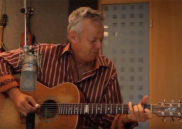 tommy emmanuel announces new album with david grisman 39 pickin 39 39 guitarworld. Black Bedroom Furniture Sets. Home Design Ideas