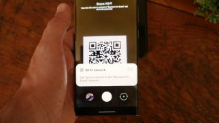 How to scan a QR code on Android - Using the built-in camera app
