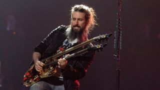 Bumblefoot playing live with Guns N' Roses