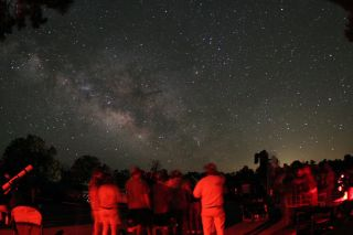Visitors gather for the 2007 Grand Canyon Star Party