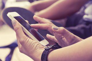 texting, smartphone