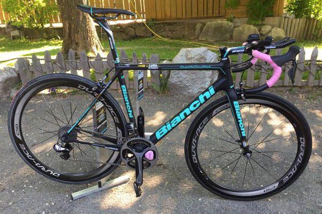 645cc06ca Giro d Italia leader Steven Kruijswijk s mountain time trial bike revealed