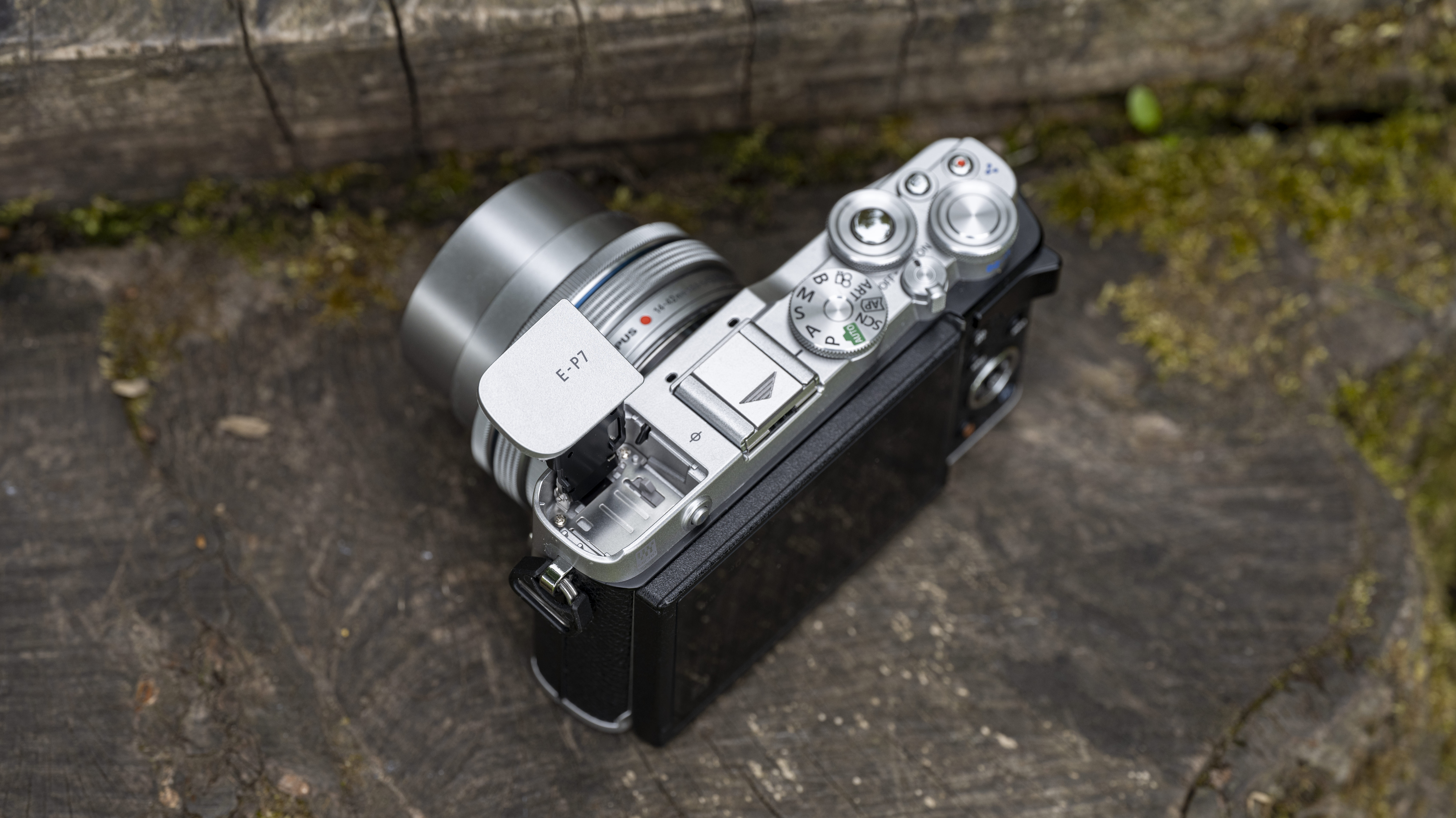 The pop-up flash on the top of the Olympus PEN E-P7