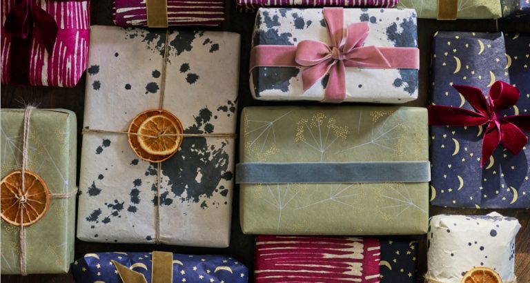How To Wrap Gifts And Our Pick Of The Best Gift Wrapping Ideas Homes Gardens