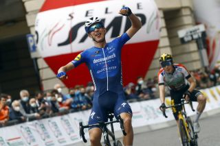 Mikkel Honoré (Deceuninck-QuickStep) takes first professional victory on stage 5 of Settimana Internazionale Coppi e Bartali
