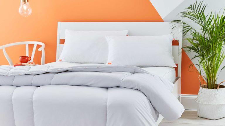 Nanu duvet and pillow in bedroom