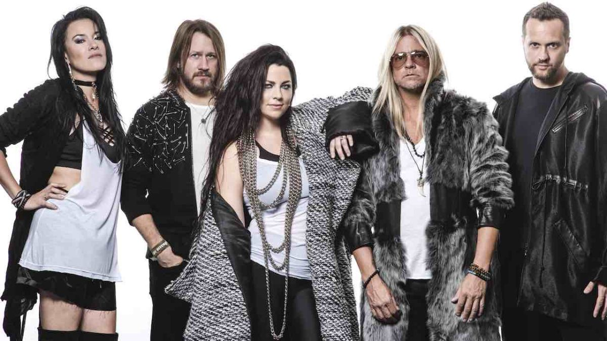 Evanescence and HeadCount join forces for the Use My Voice campaign