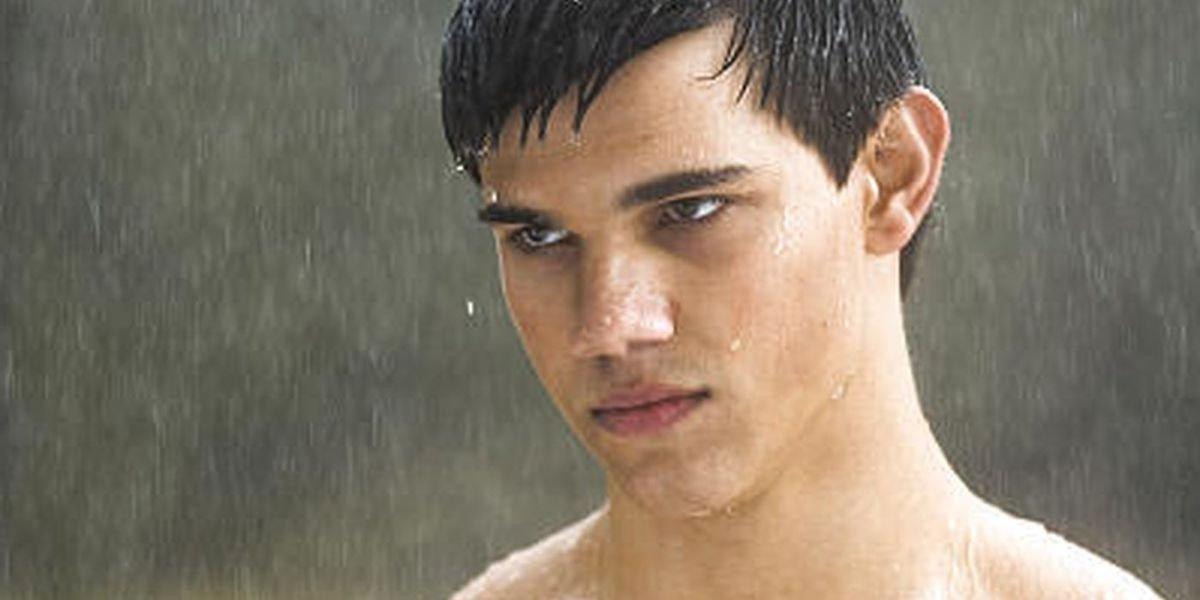 Taylor Lautner in the rain as Jacob Black