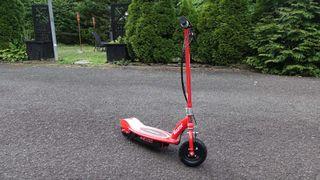 migliore scooter elettrico: Scooter elettrico Razor E100