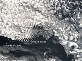 Amsterdam Island cloud waves