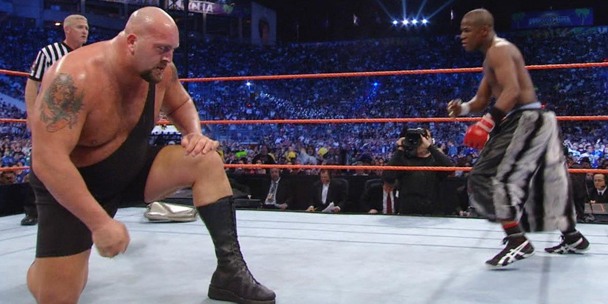 Big Show and Floyd Mayweather at WrestleMania 24