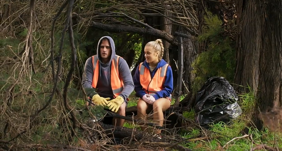 Neighbours, Kyle Canning, Roxy Willis