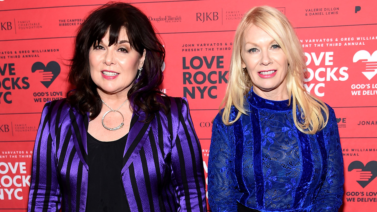 Watch Heart's Ann and Nancy Wilson reunite onstage in New York