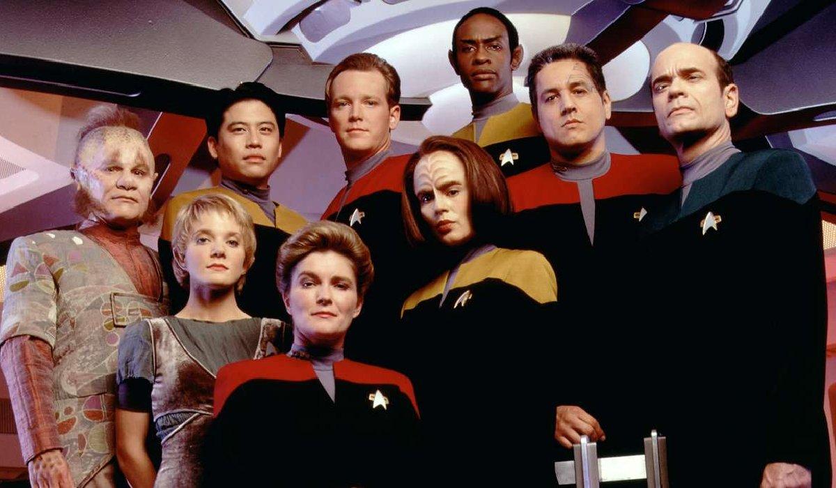 Star Trek: Voyager crew in season 1