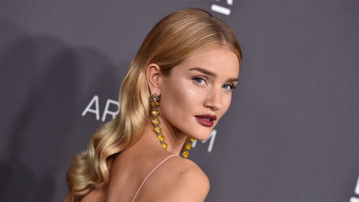 Rosie Huntington-Whiteley just revealed the best hair drying hack for beautiful locks