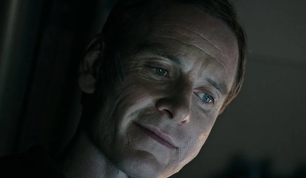 Alien: Covenant Michael Fassbender David's eerie smile from above