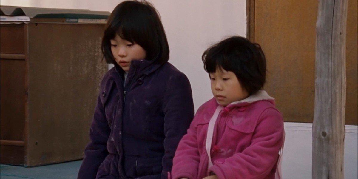 Song Hee Kim and Hee Yeon Kim in Treeless Mountain