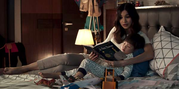 Astrid leaves her husband in Crazy Rich Asians