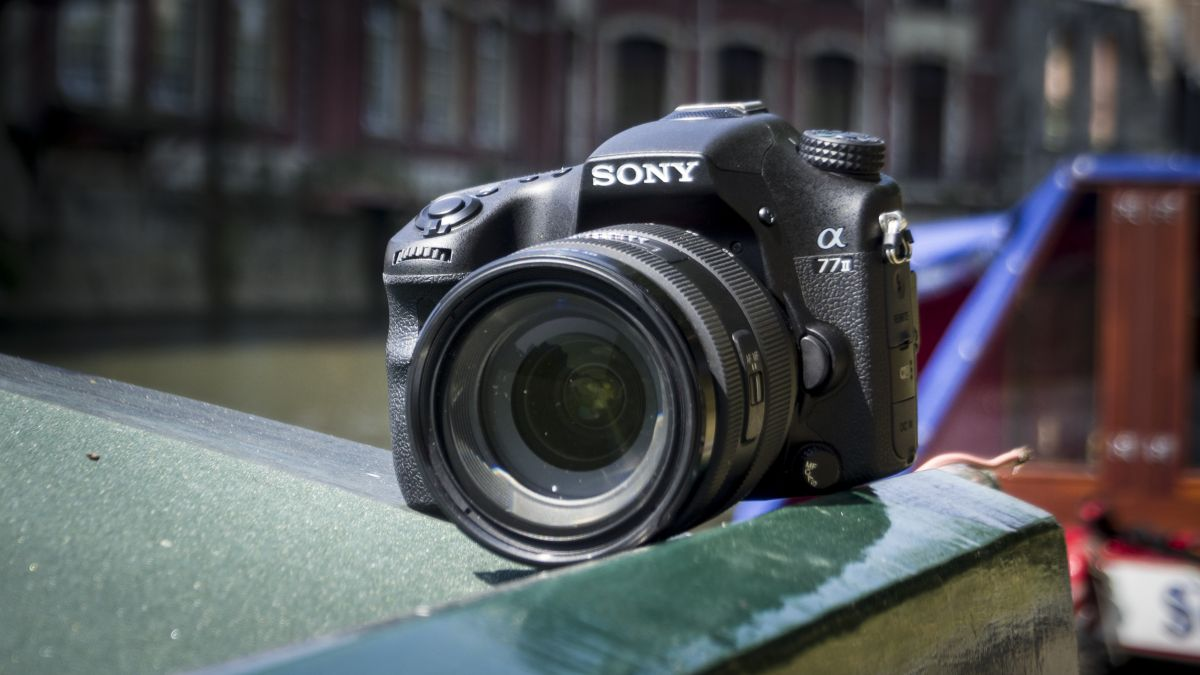 Sony Alpha 77 Mark II