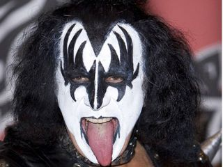 Gene Simmons: you won't catch him using Limewire.