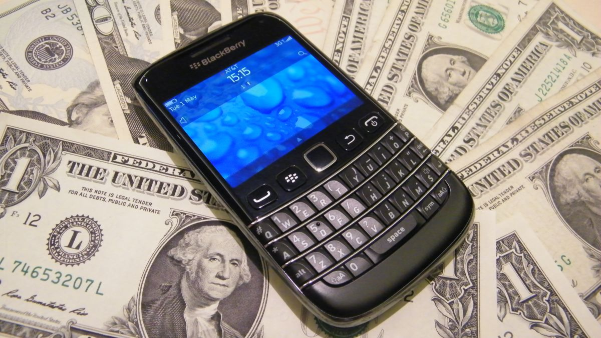 November pain? BlackBerry reportedly chasing a quick and easy sale