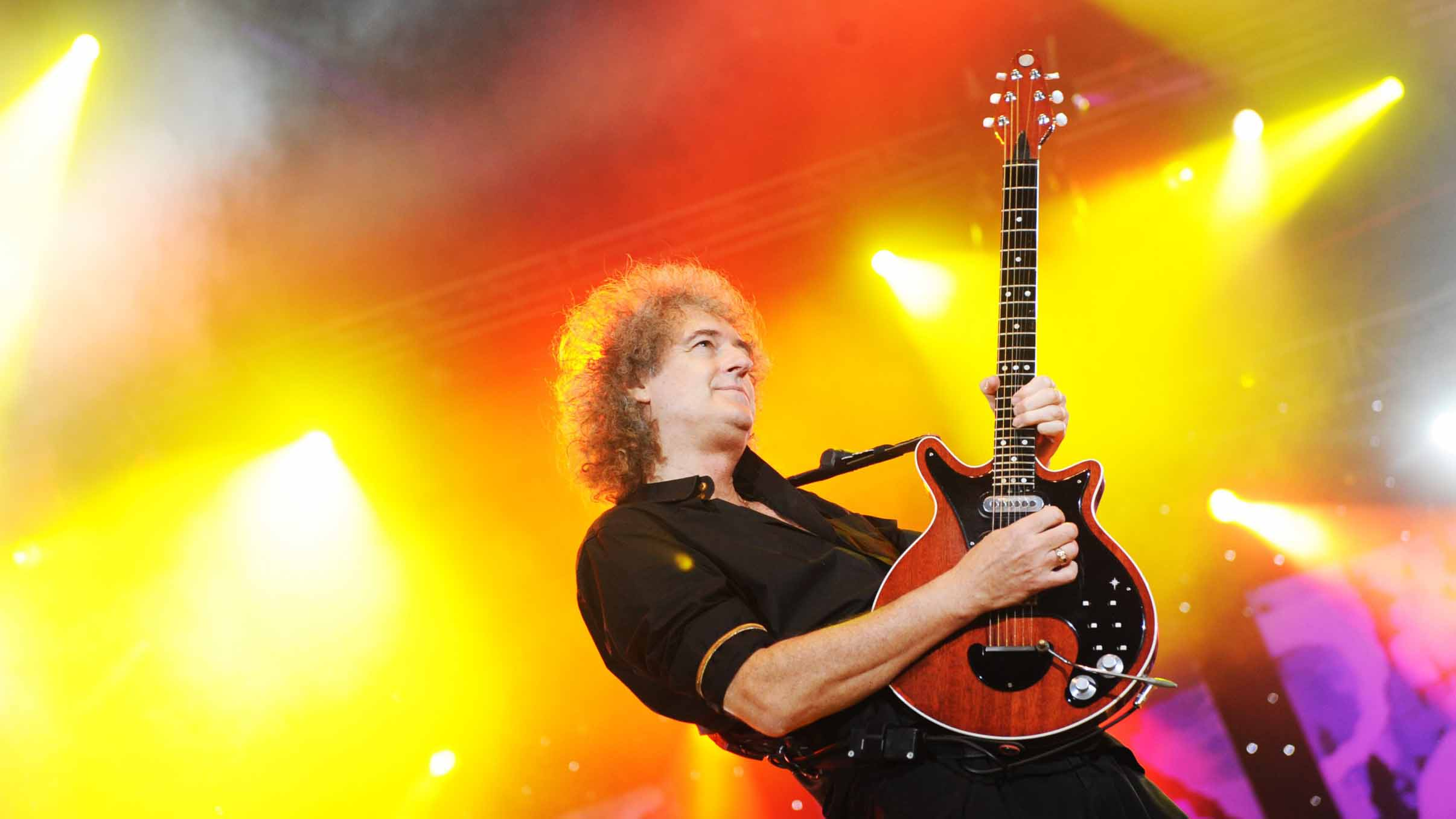 How to play guitar like Brian May