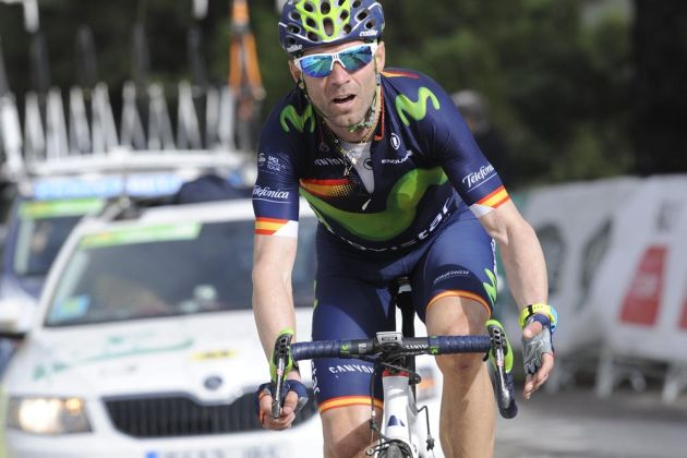 Alejandro Valverde wins stage five of the 2016 Ruta del Sol to overhaul overnight leader Tejay van Garderen and secure the overall victory.