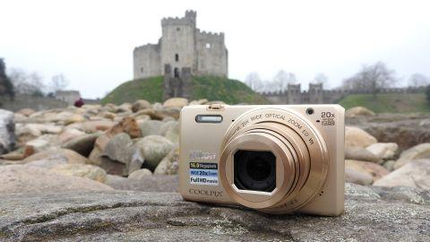 Nikon S7000