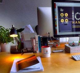 20 Leading Web Designers Desks For Your Inspiration