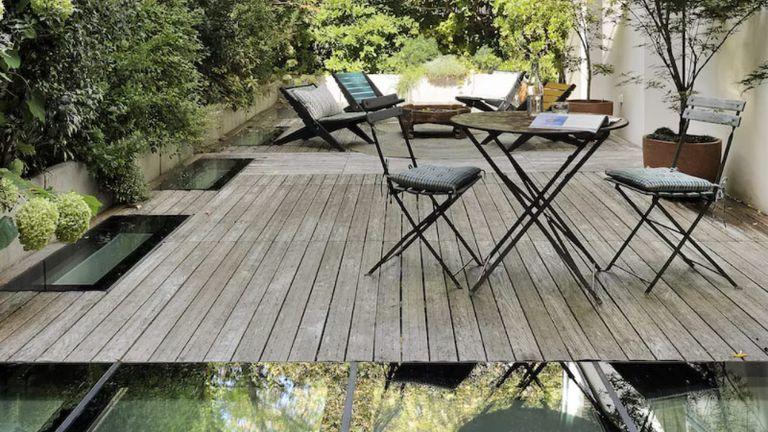 garden decking ideas with glass panels