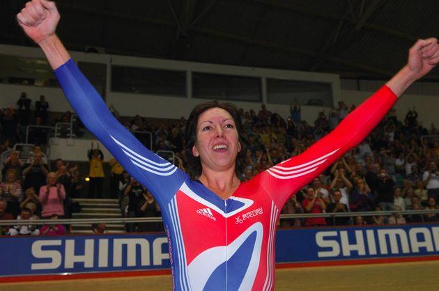 Rebecca Romero wins the women's individual pursuit