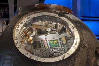 peake soyuz spacecraft tour